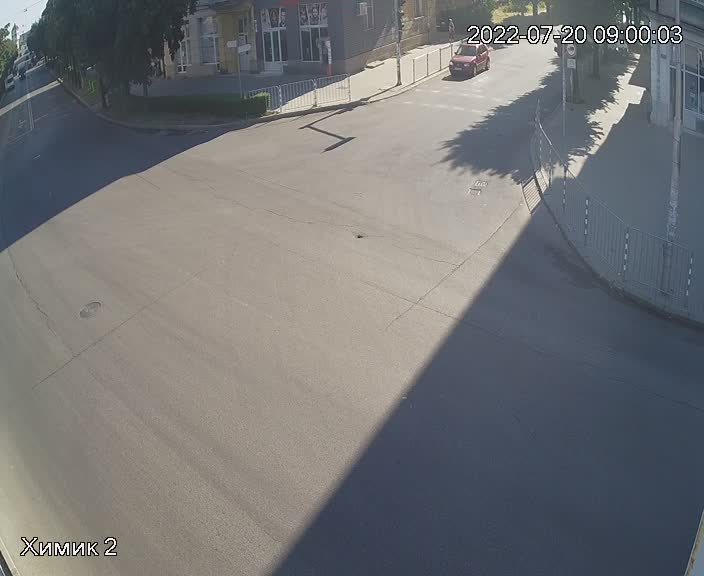 Камери на живо от кръстовището на бул. Трети Март и бул. Христо Ботев
